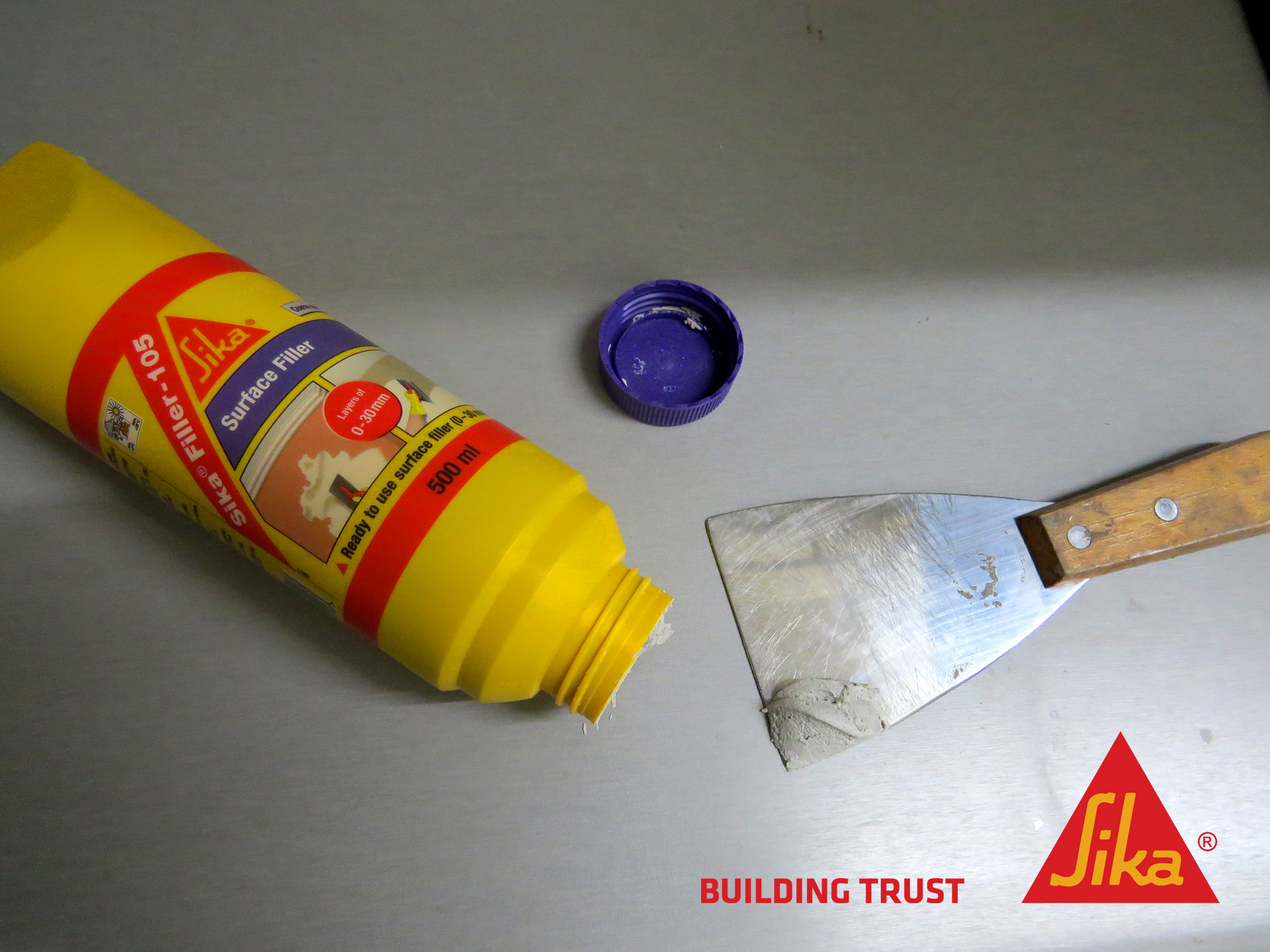 How to fill all cracks and holes in walls in your home How to fill a crack in the wall